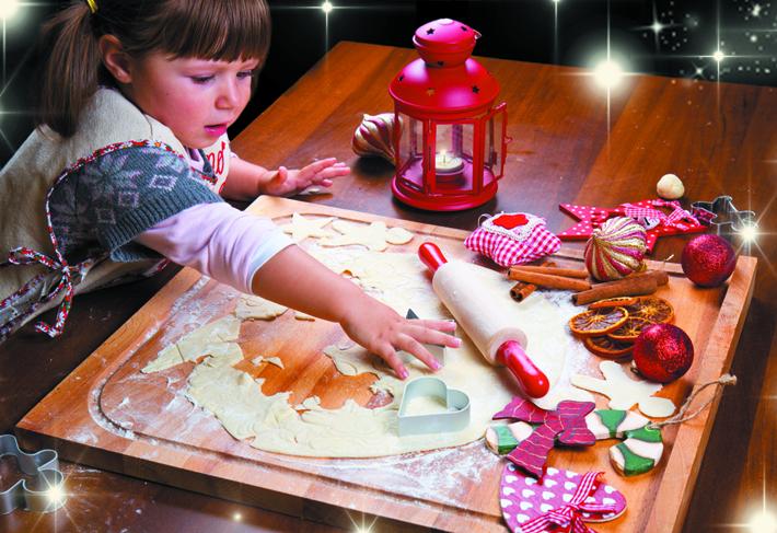 xmas-family-baking